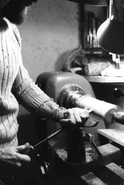 making a recorder: turning a piece of wood to a cylinder on the lathe